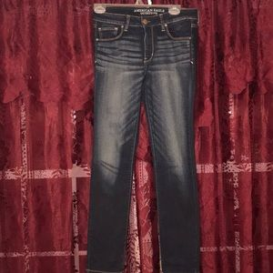 AE Medium to Dark Wash Skinny Jeans 8R